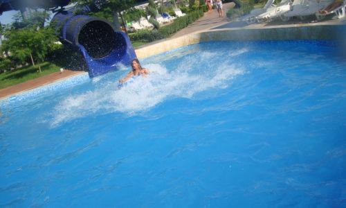Закрита водна пързалка Черна дупка, Аквапарк Несебър